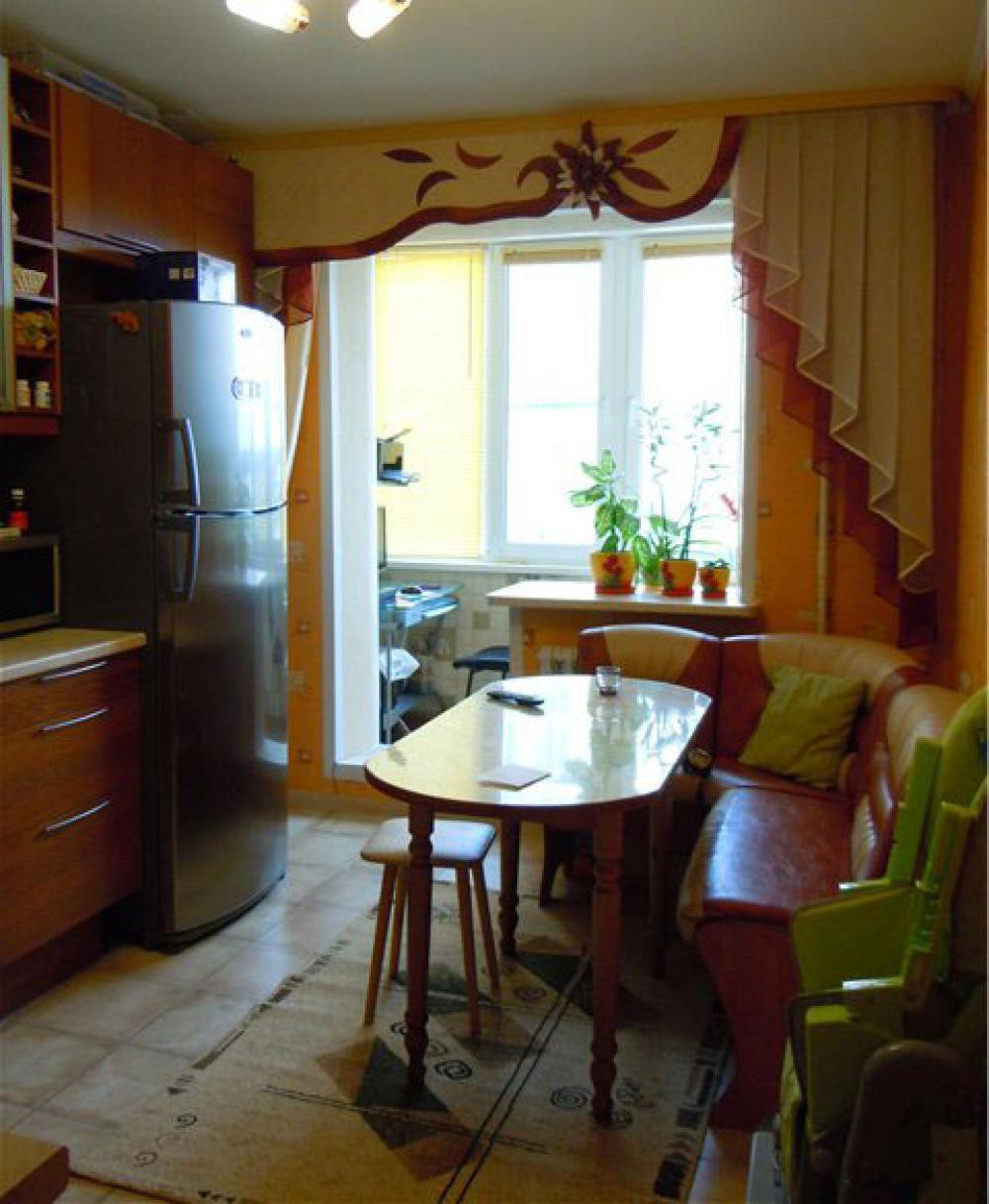 Примеры присоединения балконов и лоджий к кухне.