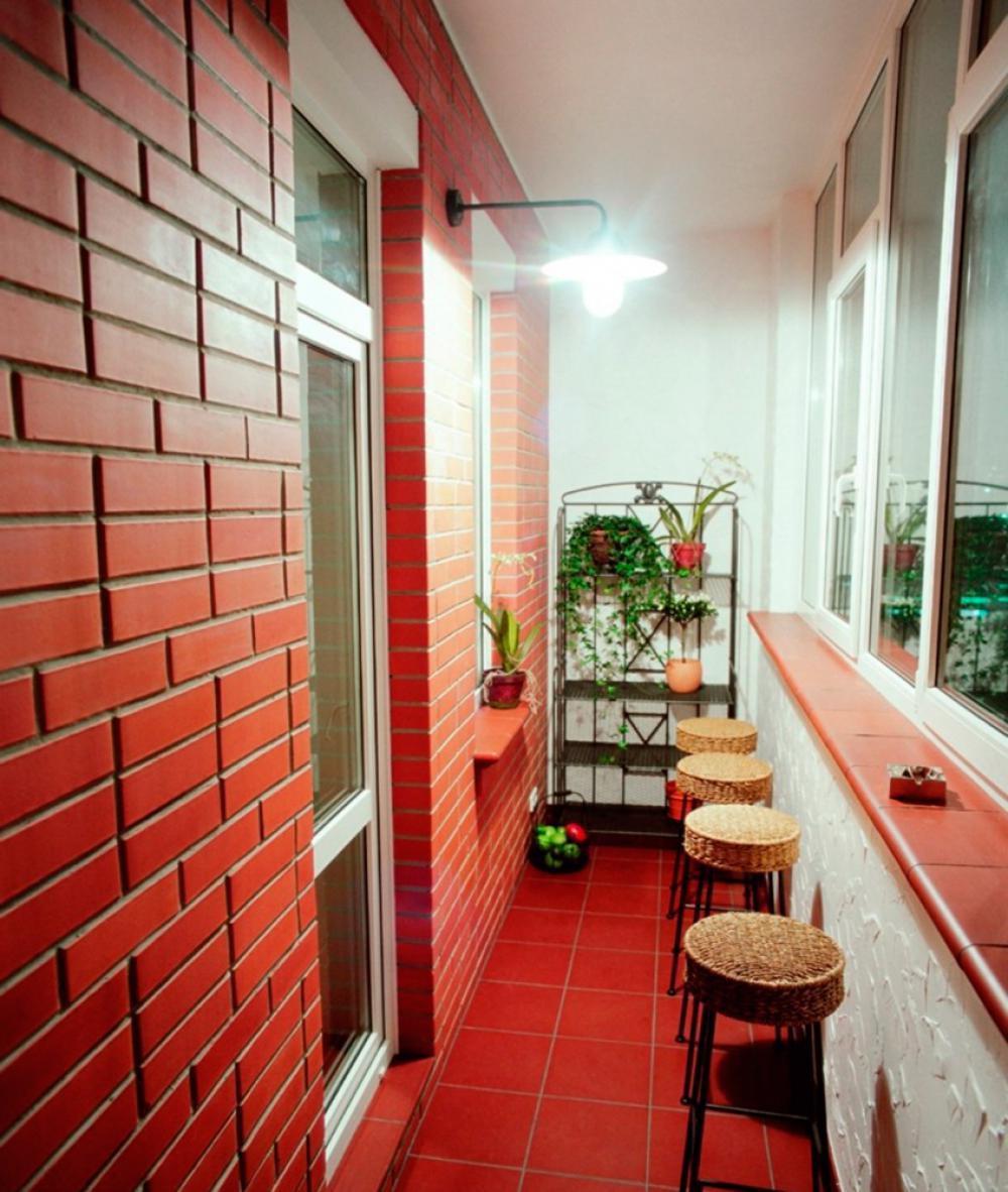 Кирпич декоративный для интерьера пример лоджия балкон..