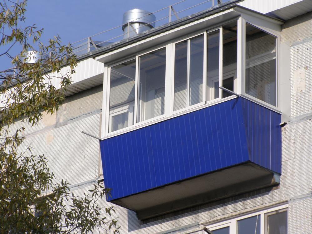 Застеклить лоджию с крышей