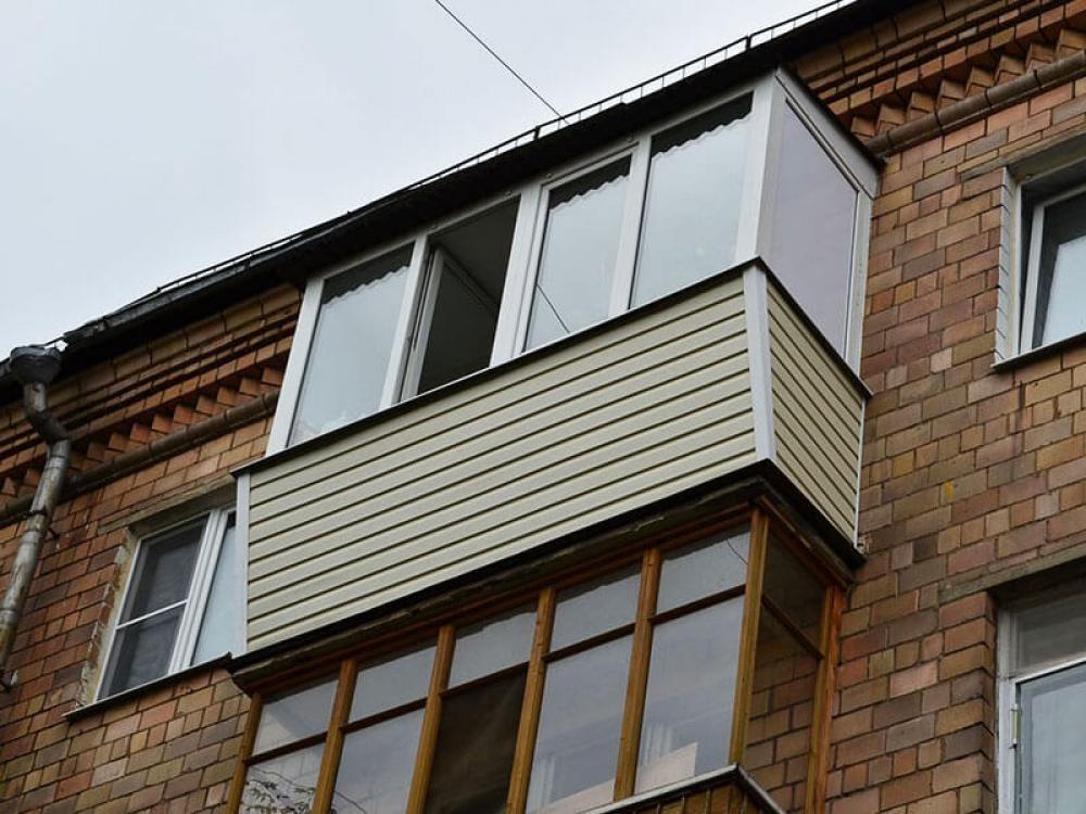 Остекление балкона с крышей в уфе. доступные цены!.