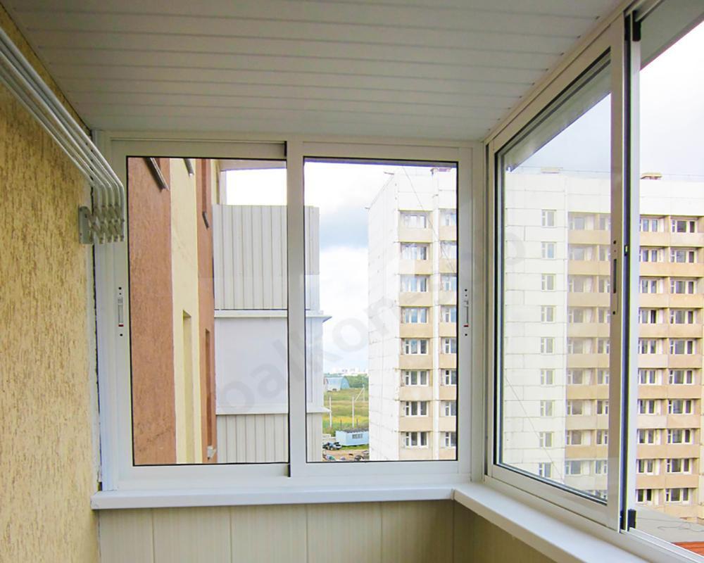 Остекление и отделка балкона эконом-класса в москве и мо.