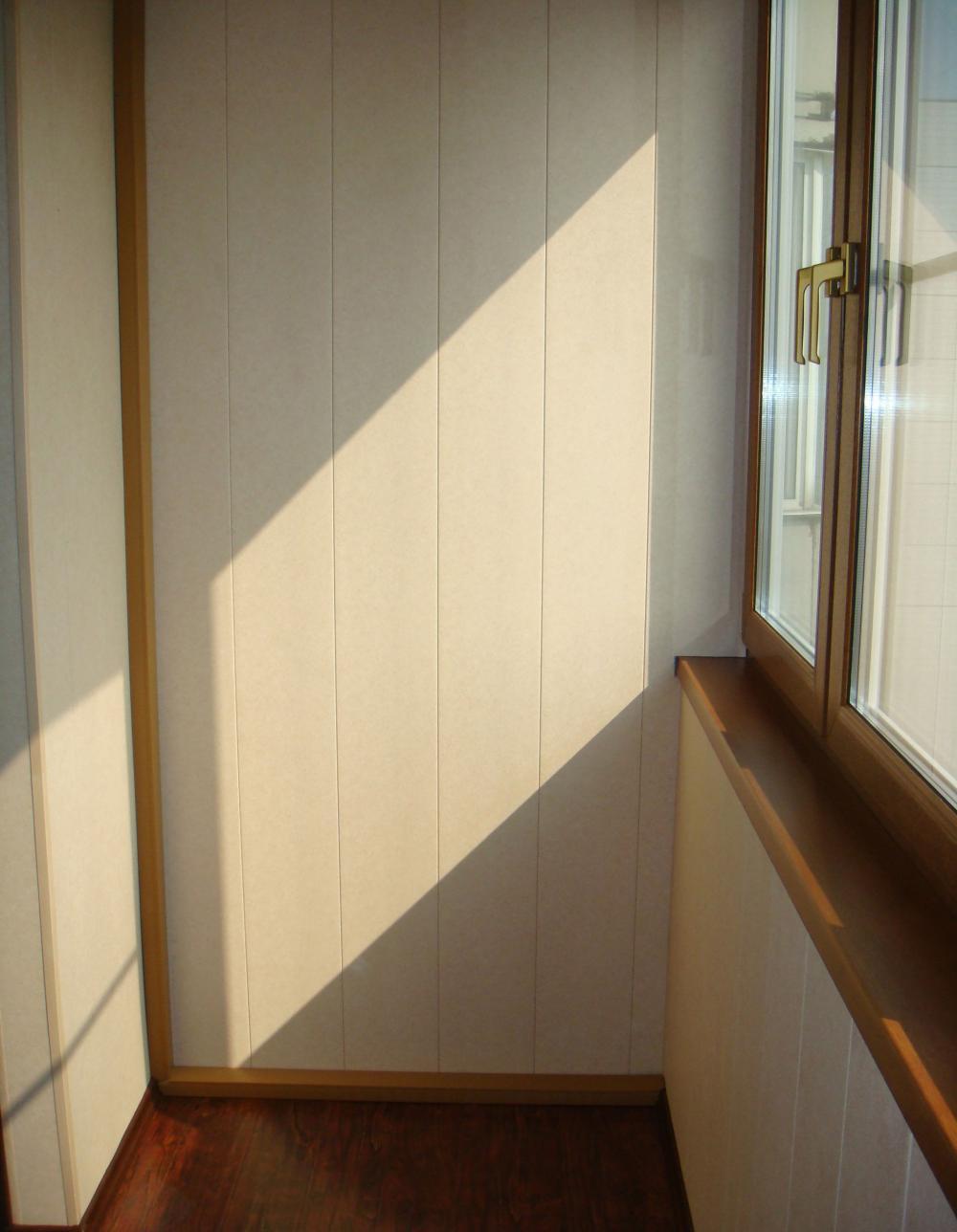 Образцы оформления балкона панелями пвх.