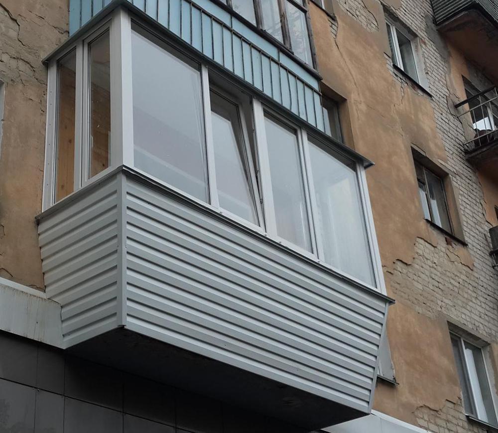 Конструкция выносного балкона с нарушенной технологией фото.
