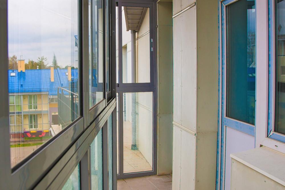 Алюминиевое раздвижное остекление балконов и лоджий в санкт-.