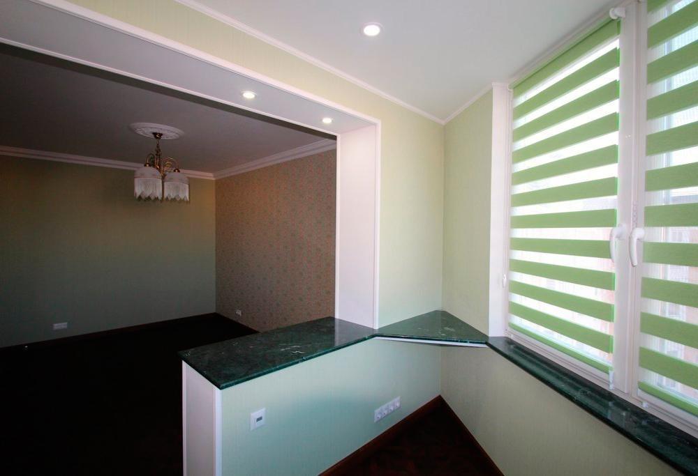 Примеры отделки балконов и лоджий по низкой цене.