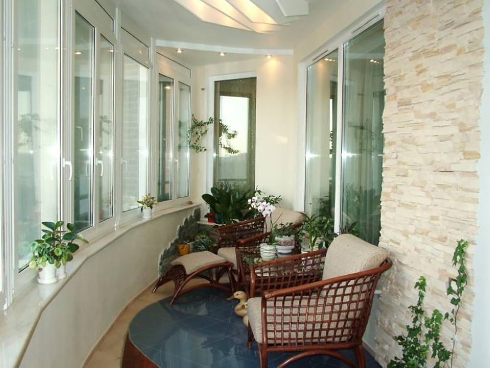 Оформление балкона изнутри, фото :: syl.ru.