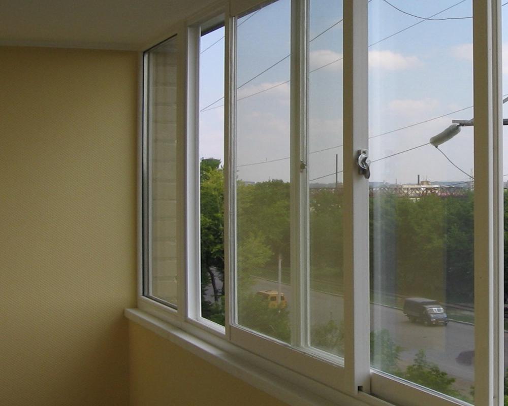 Раздвижные слайдорс окна на балкон.