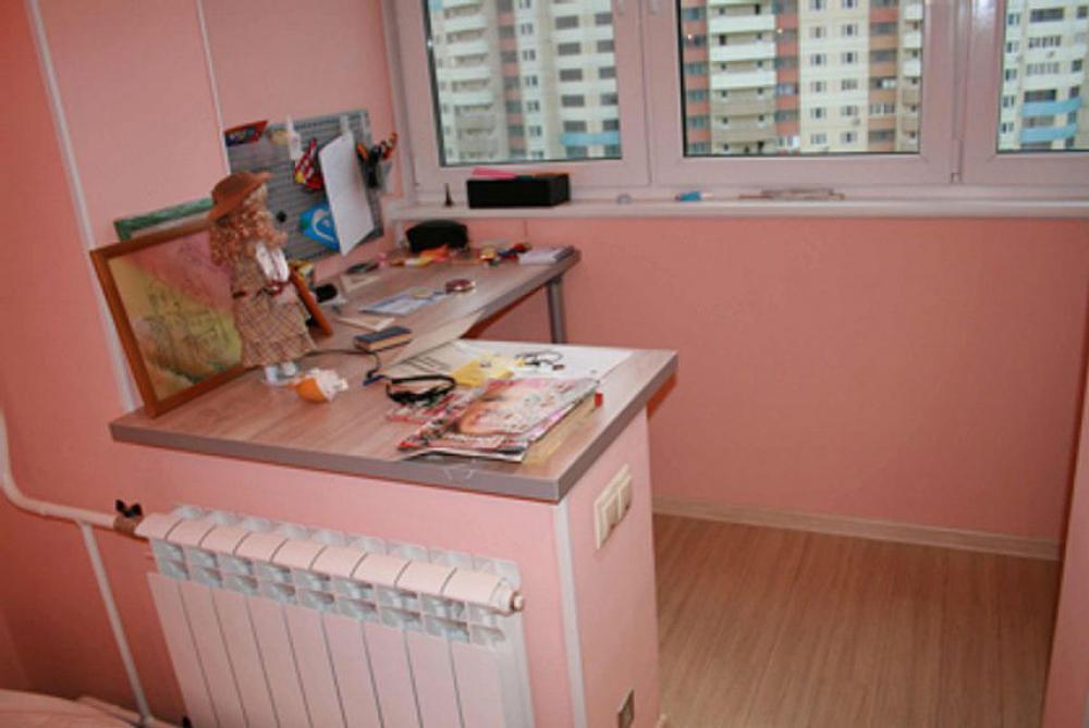 Примеры совмещения балконов и лоджий с комнатой.