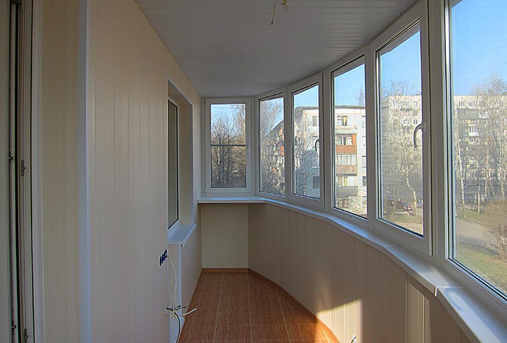 Отделка балконов и установка окон пвх - услуги на kupdam.ru.