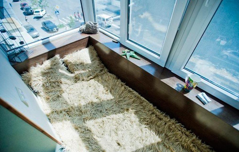 Жилая комната на балконе и лоджии.