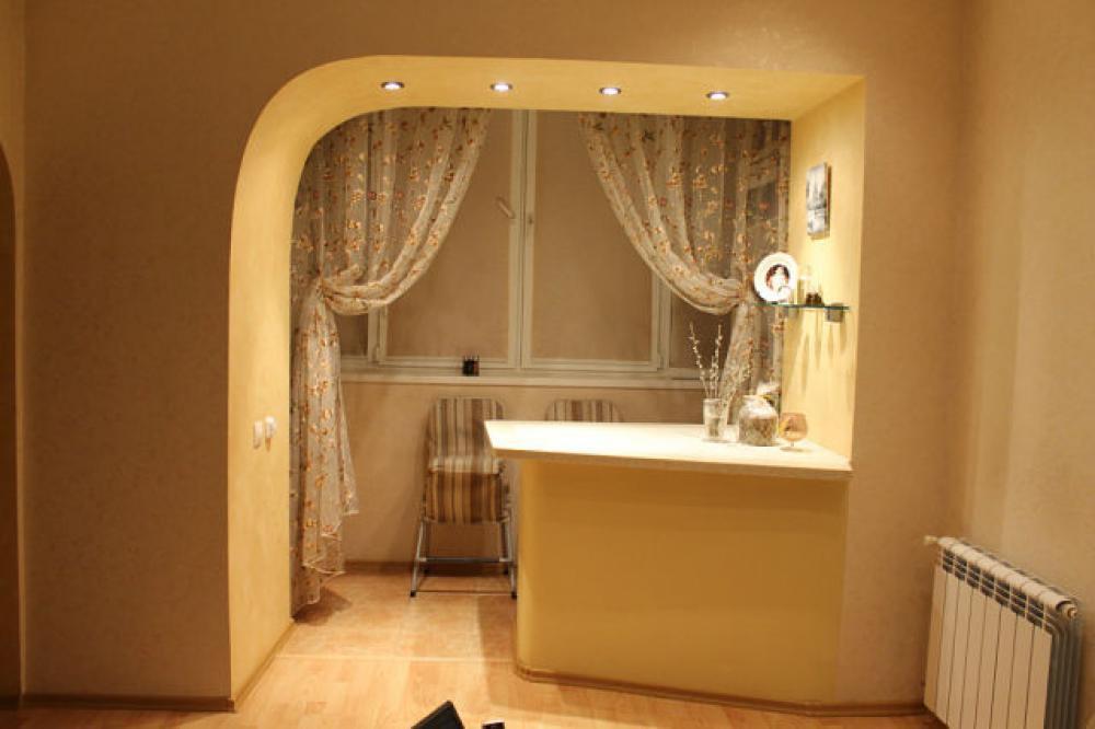 Примеры продления балконов и лоджий за счёт комнаты.
